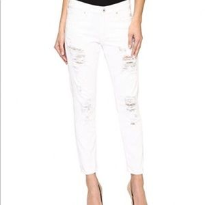 🍀Lucky Brand  Distressed Boyfriend Jeans🍀